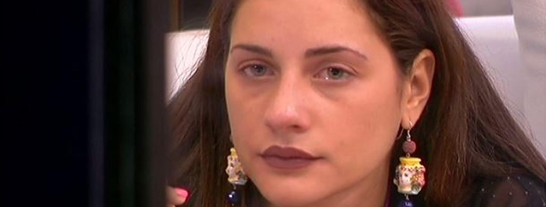 Jessica in lacrime per Lidia