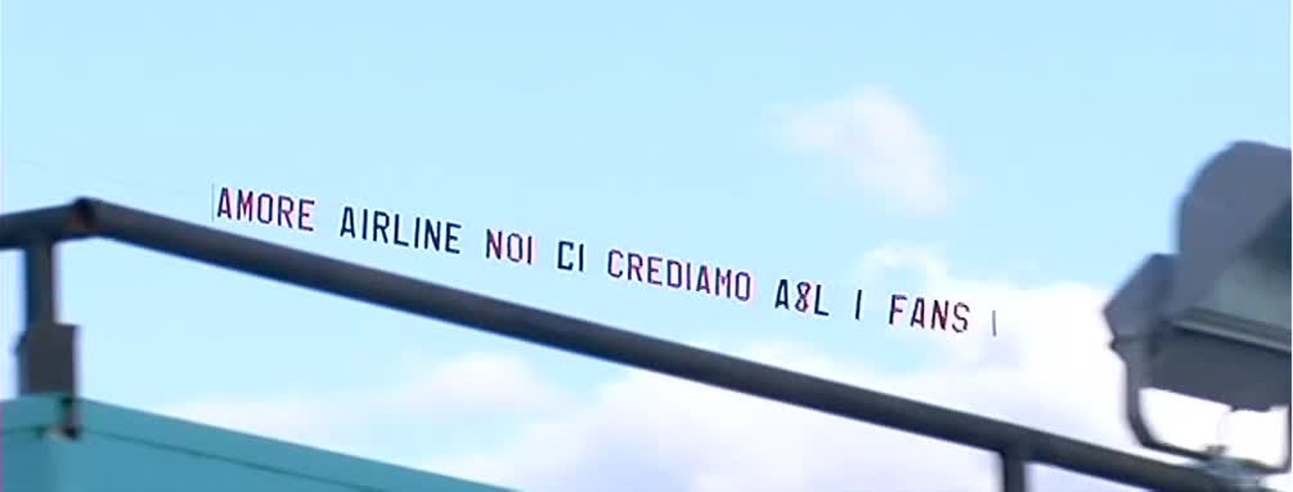 Striscione in cielo