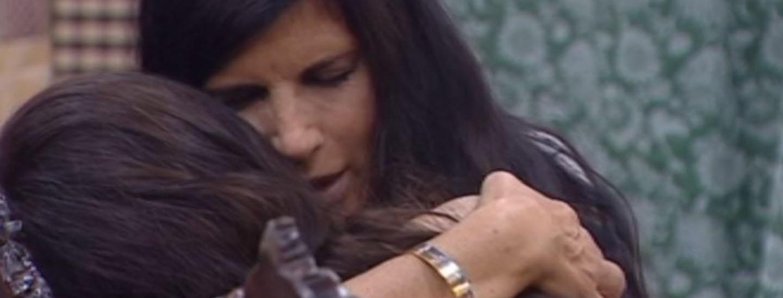 L'abbraccio di Pamela