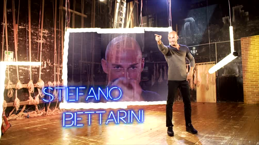 Stefano Bettarini si presenta